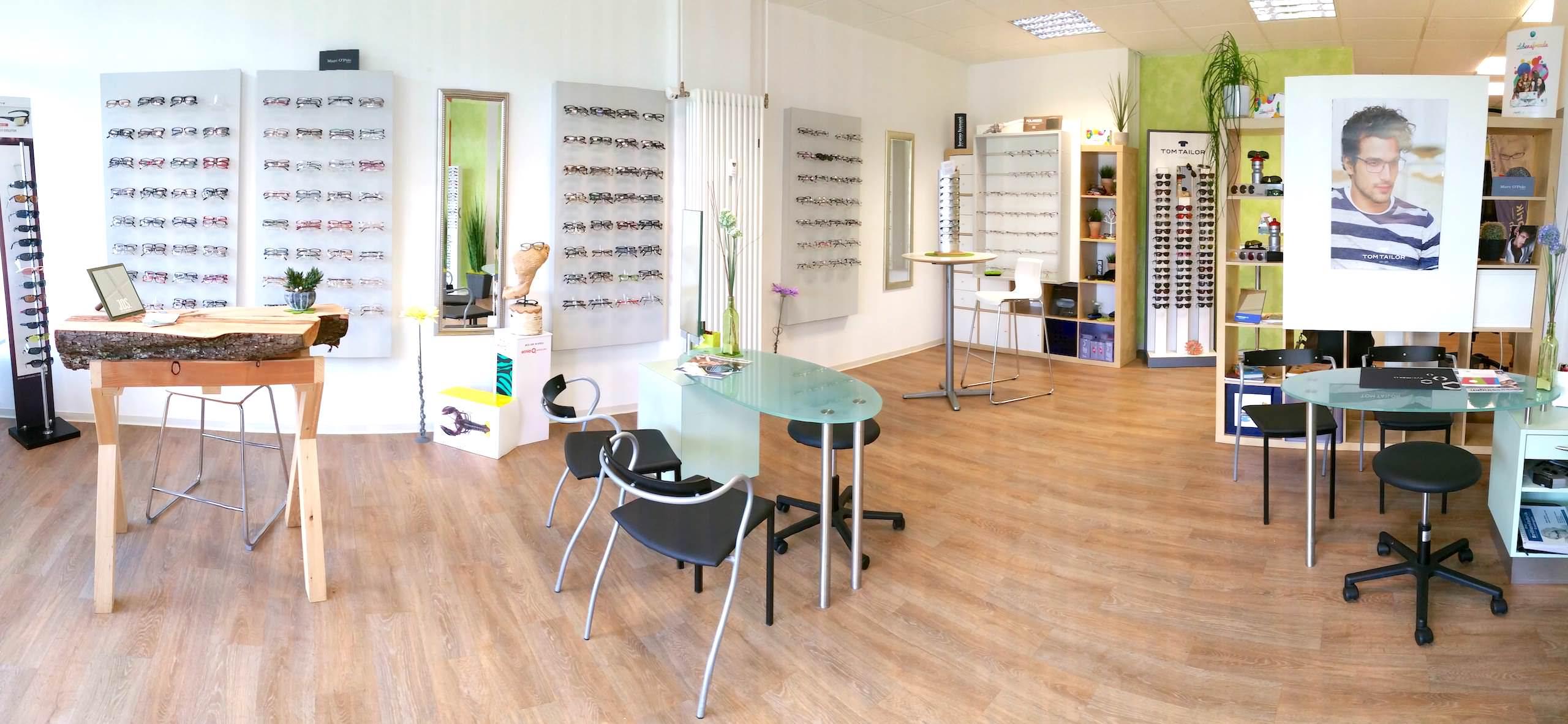 Optiker mit günstigen Brillen | Brillenfabrik Essingen