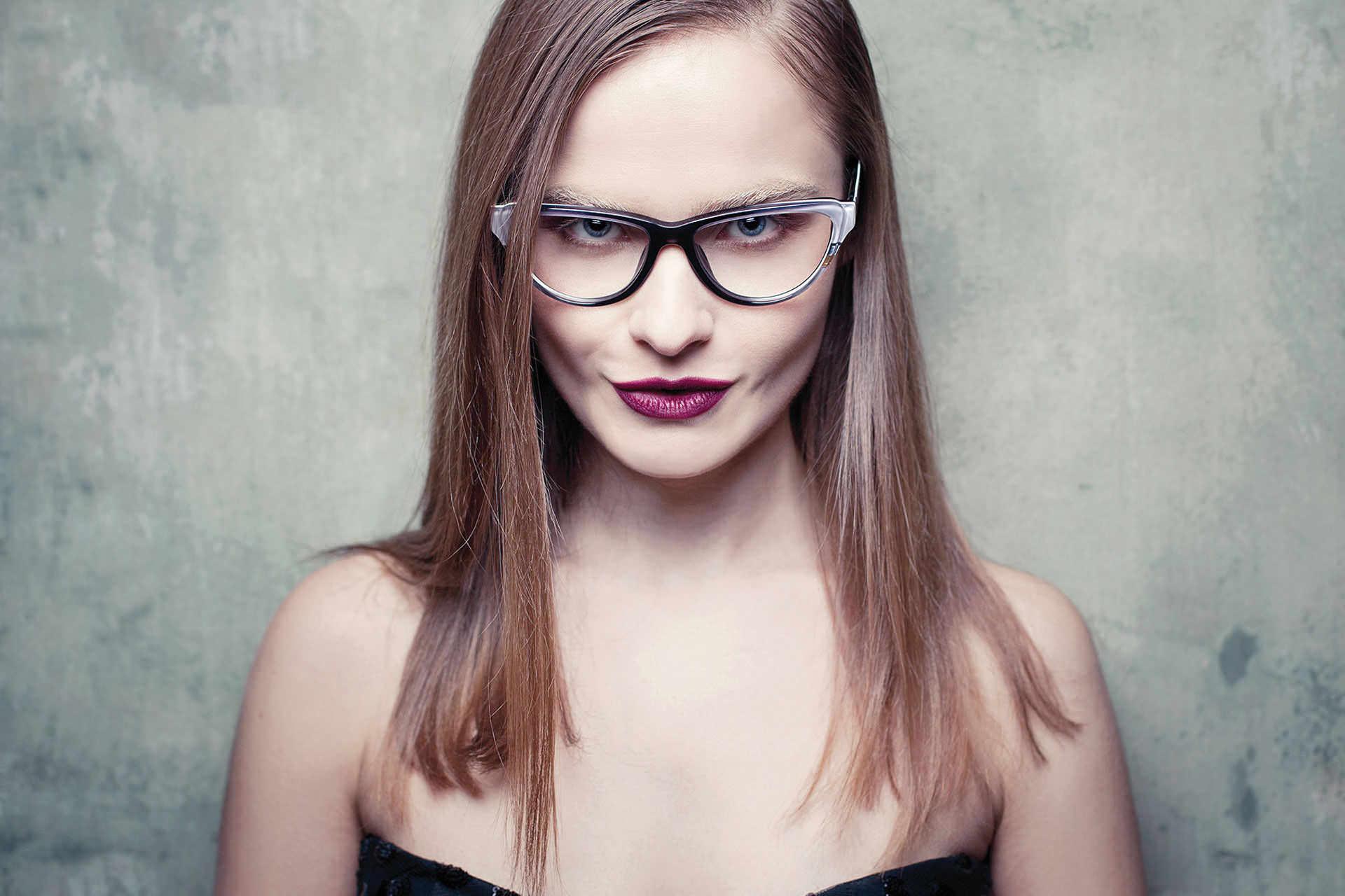optiker mit g nstigen brillen direkt vom hersteller brillenfabrik. Black Bedroom Furniture Sets. Home Design Ideas