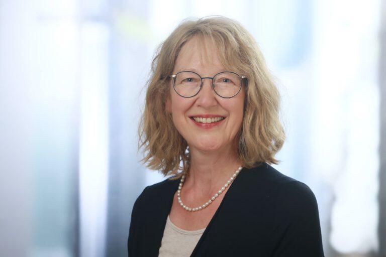 Hanne Bensch, Augenoptikerin