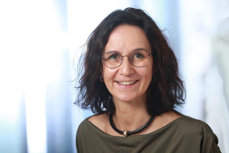 Inge Erens, Augenoptik-Meisterin