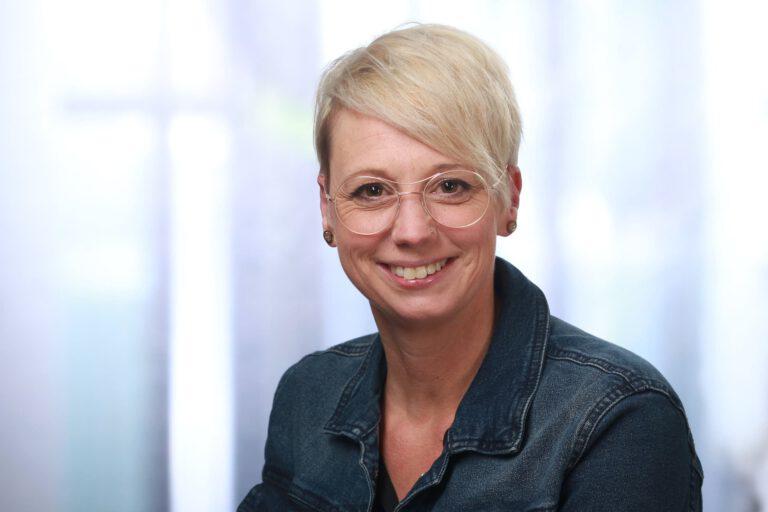 Nicole Blattmann, Augenoptikerin