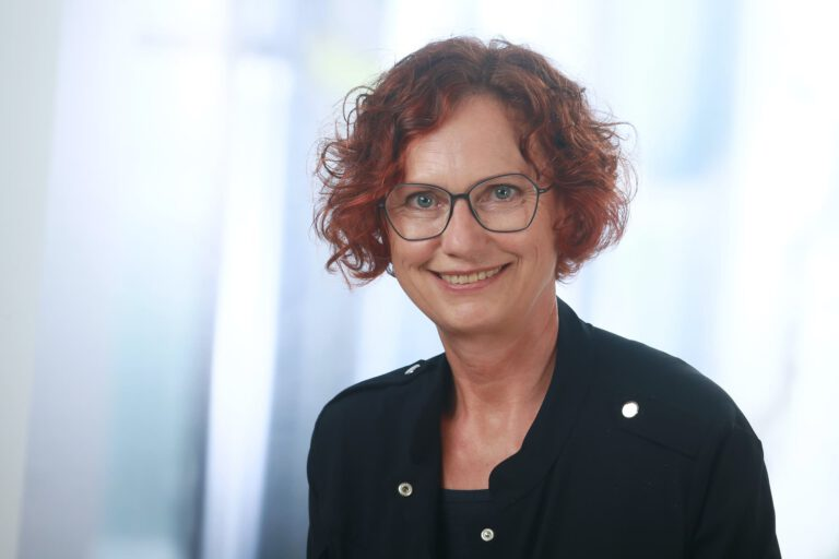 Renate Hillger, Augenoptik-Meisterin