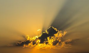 Sonnenstrahlen UV-Strahlung: Gefahr durch UVA- und UVB-Strahlung
